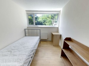 Bedroom 2 - 17 Dollis Drive - Student homes Farnham for UCA Students