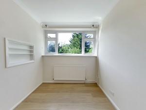 Bedroom 3 - 17 Dollis Drive - Student homes Farnham for UCA Students