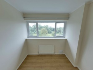 Bedroom 6 - 22 Dollis Drive - Student homes Farnham for UCA Students