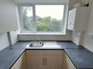 Kitchen 2 - 20 Dollis Drive - Student homes Farnham for UCA Students