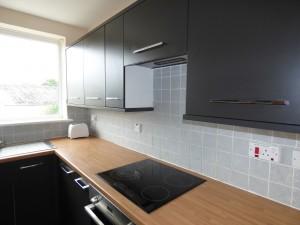 Kitchen 2 - 1 Dollis Drive - Student homes Farnham for UCA Students