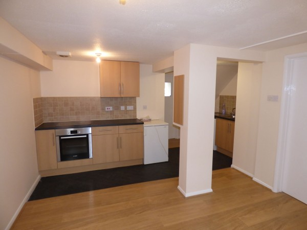 Rent student accomodation in Farnham, houses for UCA Students