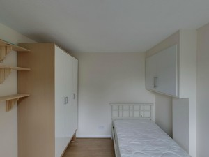 Bedroom 2 - 20 Dollis Drive - Student homes Farnham for UCA Students