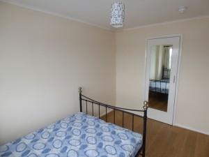 Bedroom 6 - 1 Dollis Drive - Student homes Farnham for UCA Students