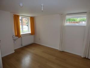 Bedroom 1 - 1 Dollis Drive - Student homes Farnham for UCA Students