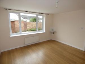 Bedroom 2 - 1 Dollis Drive - Student homes Farnham for UCA Students