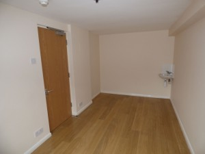 Bedroom 3 - 1 Dollis Drive - Student homes Farnham for UCA Students
