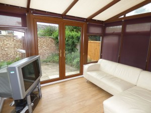 Lounge - 1 Dollis Drive - Student homes Farnham for UCA Students