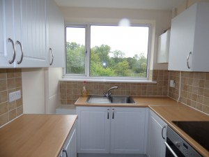 Kitchen 2 - 21 Dollis Drive - Student homes Farnham for UCA Students