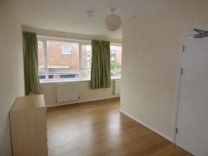 Bedroom 4 - 21 Dollis Drive - Student homes Farnham for UCA Students